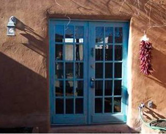 santa_fe_condo_blue_front_door_and_ristra325